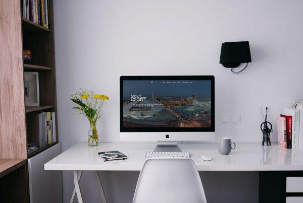 Diseño Web La Paralela Agencia Creativa QIP